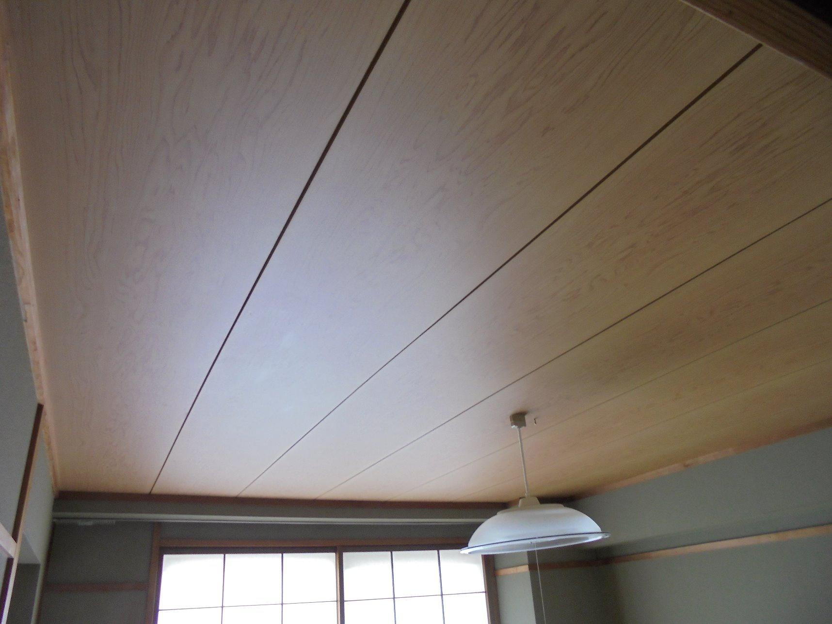 初めてのdiy 和室が生まれ変わる天井塗装テクニック Diy物件 コラム